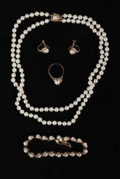 Set of Jewelry - yellow gold, pearl - 1970
